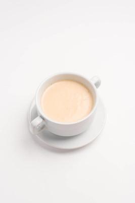 白碗香薰奶油汤