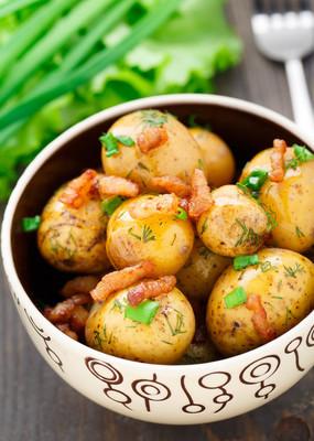 培根和香草土豆