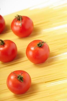 与意大利面条西红柿