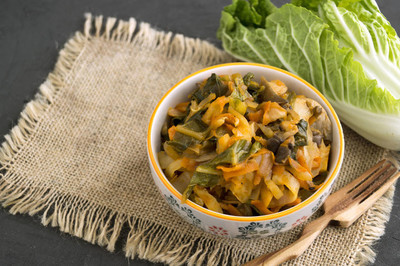 灰底碗炖白菜