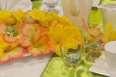 复活节快乐, 装饰的桌子