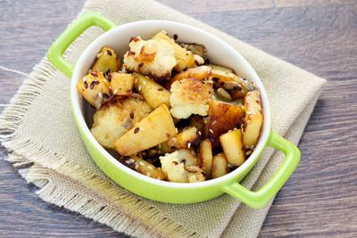 炒的花椰菜和马铃薯种子