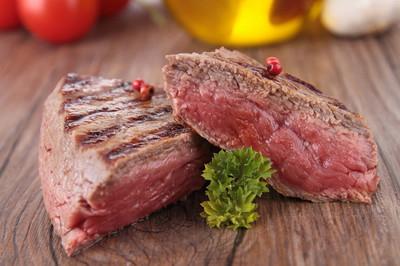 烧烤的肉类