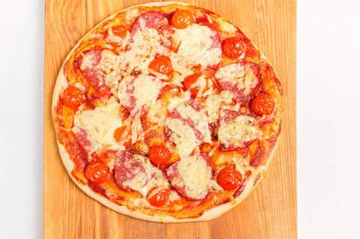 纸板上的披萨, 关机