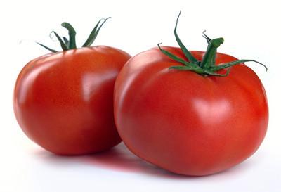 两个红色的西红柿