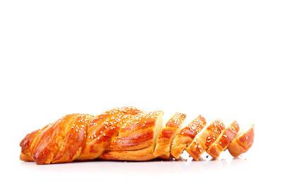 孤立在白色的切片的面包