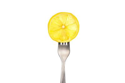 在叉上柠檬