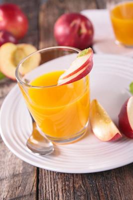 美味鲜桃汁