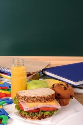 学校午餐与黑板