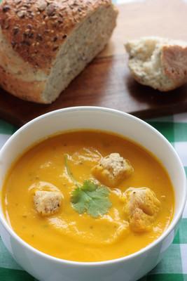 胡萝卜、 芫荽汤