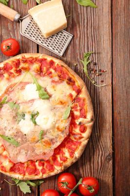 西红柿的自制披萨