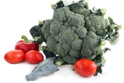 绿色花椰菜、 红辣椒、 西红柿