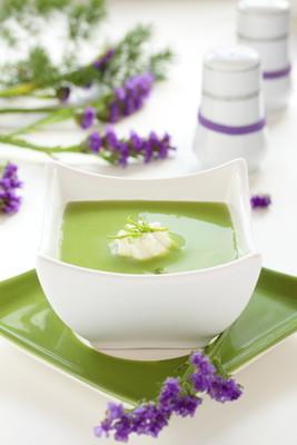 奶油-绿豌豆汤