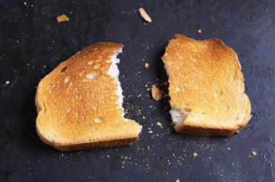 烤的白面包