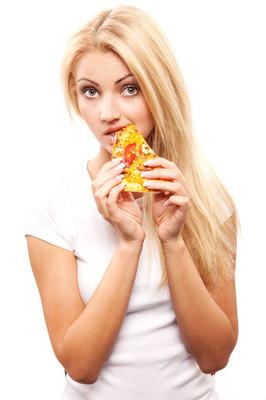 披萨的女人