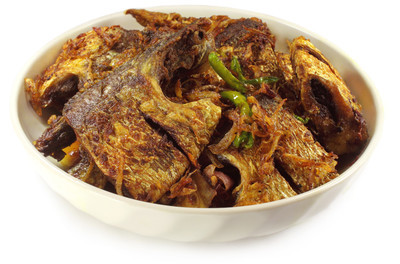东南亚地区最受欢迎油炸印度鲥或 ilish 鱼