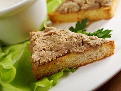 面包与美味肝酱