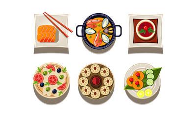 Flatvector 盘, 上面有美味的菜肴。中餐。美味的亚洲美食。咖啡馆菜单元素