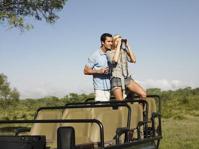夫妇在野生动物园