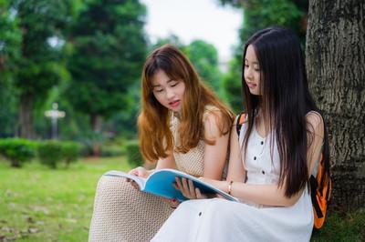 亚洲大学生