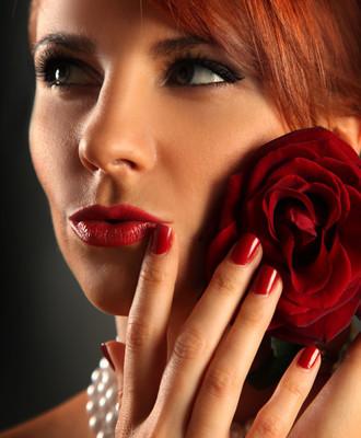 嘴唇和玫瑰