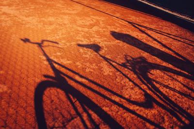 老式自行车阴影
