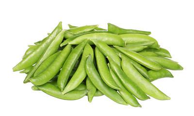 堆的孤立的白色背景上的新鲜豌豆