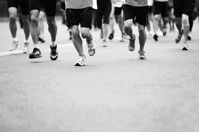 马拉松运动员参加健身
