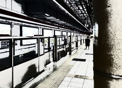 #一个人的车站# 手机拍,自带滤镜