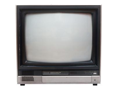 非常旧电视机孤立白上