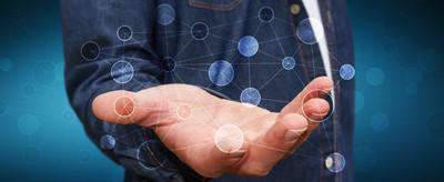 商人持有数字数据网在他的手 3d 楼效果图