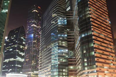 夜间办公大楼
