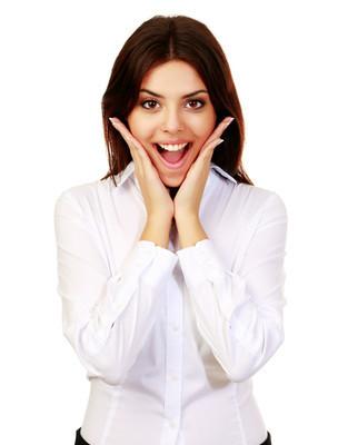 Mladá žena překvapená