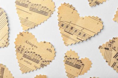 纸做的爱心与笔记