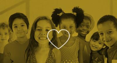 可爱多样的孩子微笑