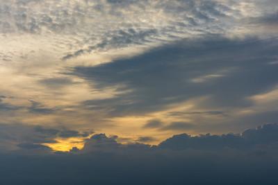 黄昏前的天空