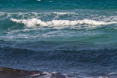 地中海上的海波浪