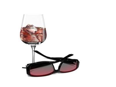 冷饮和墨镜