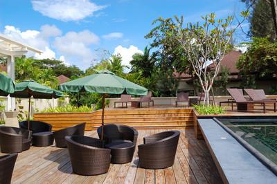 在豪华的酒店,普吉岛,泰国的户外餐厅