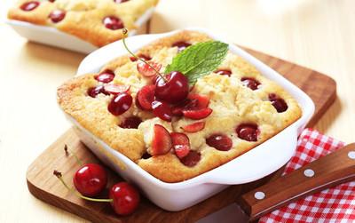 樱桃海绵蛋糕