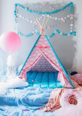 可爱的儿童游戏帐篷房