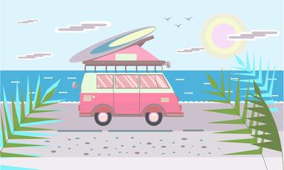 在屋顶上海滩冲浪板的微型面包车。矢量图在平面样式