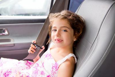 儿童小女孩室内车把安全带