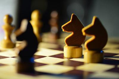 国际象棋棋子在棋盘上