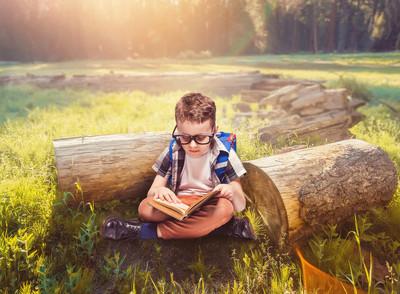 小学生阅读书