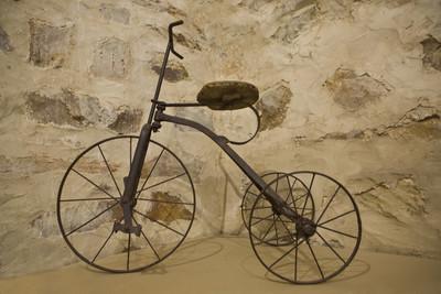 旧三轮车玩具