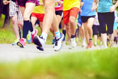 集团的运行的马拉松选手